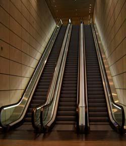 贝博策略自动扶梯
